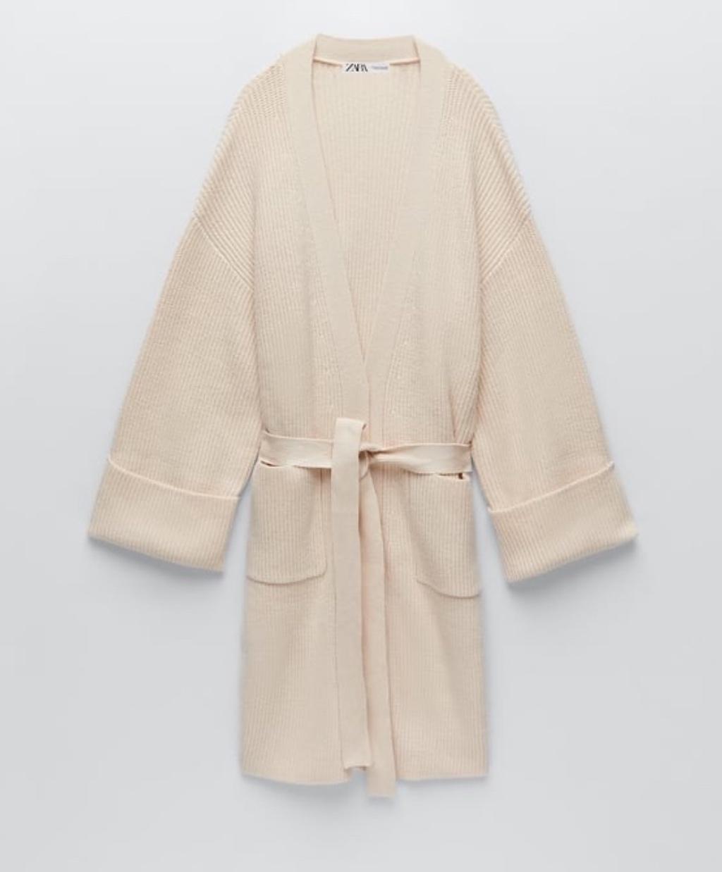 Πλέκτη ζακέτα με ζώνη  29,95 EUR Zara