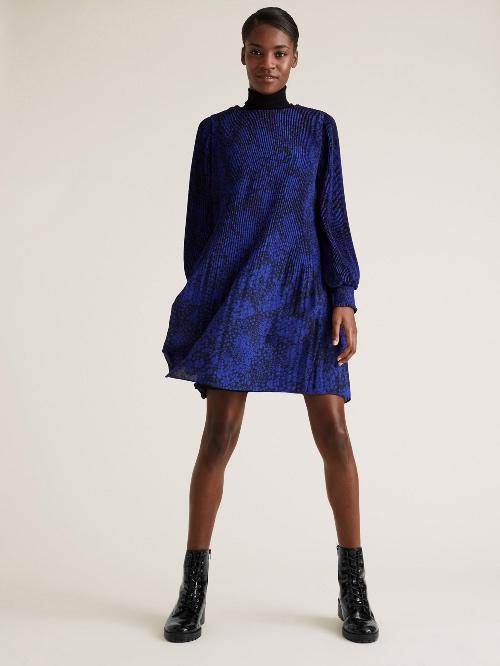 Φλοράλ πλισέ μίνι αέρινο φόρεμα με στρογγυλή λαιμόκοψη €59,95 Marks & Spencer