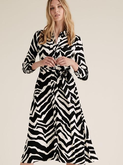 Μίντι φόρεμα-πουκάμισο με ζώνη και print ζέβρα €49,95 Marks & Spencer