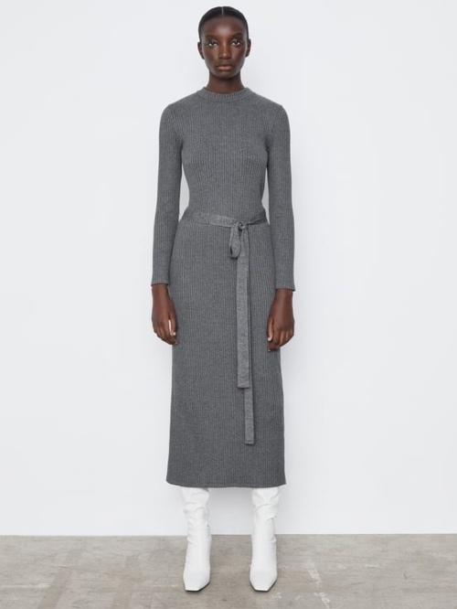 Φόρεμα με ζώνη  25,95 eur ZARA