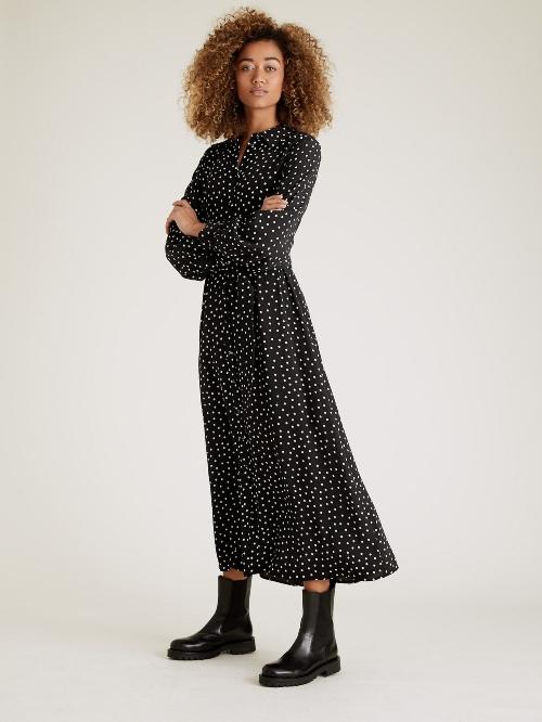 Πουά μακρύ μίντι φόρεμα με ζώνη €59,95 Marks & Spencer